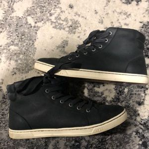 UGG size 10 high top boot/sneaker